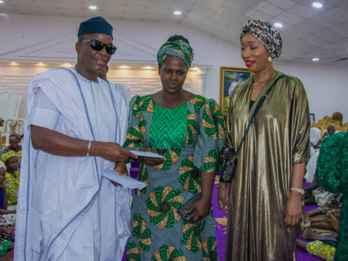 Information Carrier Nig: Jubilation in Ile Ife as QMA Initiative unveils Olufunso Amosun cash grant